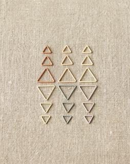stitchmarkers_triangle_earth